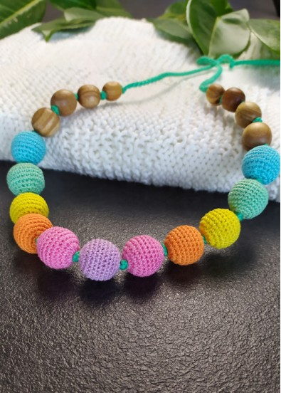 Collier d'allaitement Knotted Aqua Rainbow